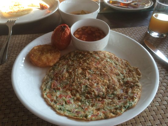 Hotel Palace Heights: Breakfast - Masala Omelette with Baked Beans