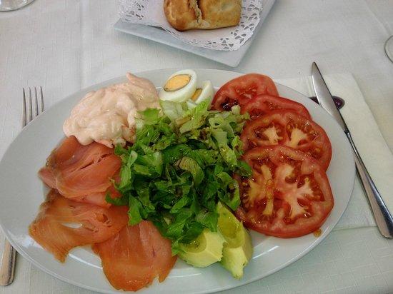 Maximilians Restaurant Pizza&Pasta-Boulevard El Faro: Salat Maximilians