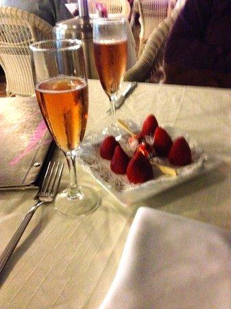 Maximilians Restaurant Pizza&Pasta-Boulevard El Faro: Apero