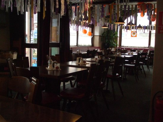 Restaurant Defne: Seating area