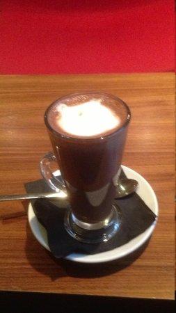 Hilton Garden Inn Birmingham Brindleyplace: Hot chocolate from bar