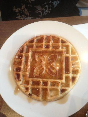 Hilton Garden Inn Birmingham Brindleyplace: Waffle freshly made