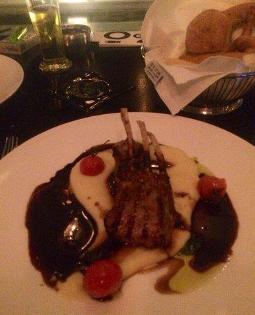 Hilton Athens: Rack of lamb, pureed mash & THE SAUCE! Love love 😃 yum yum, Galaxy bar
