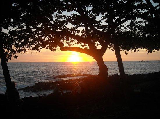 Royal Kona Resort Luau : The sunset