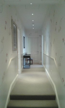 Haymarket Hotel : Room 212 - Suite 2 - Entrance corridor