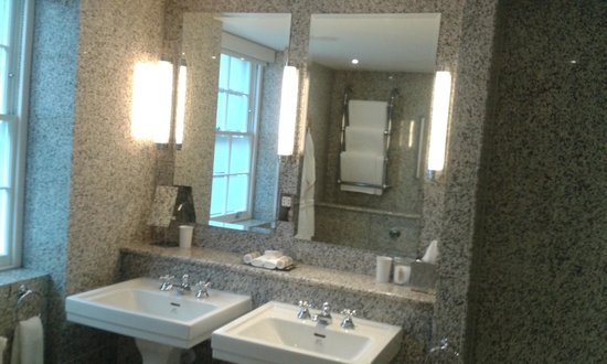 Haymarket Hotel : Room 212 - Suite 2 - Bathroom