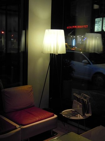 Ibis Styles Berlin Mitte: lampada