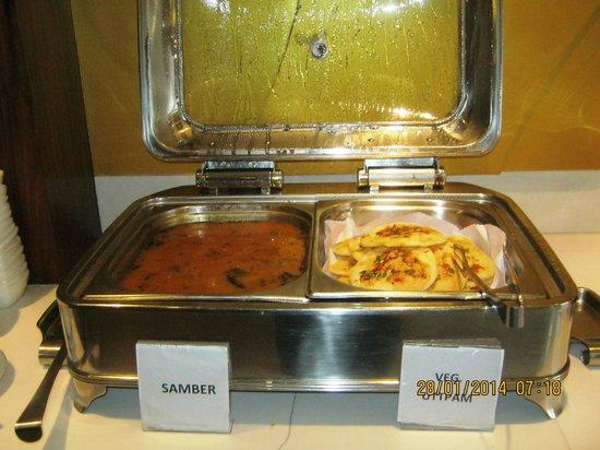 Hotel Regent Grand: Dining