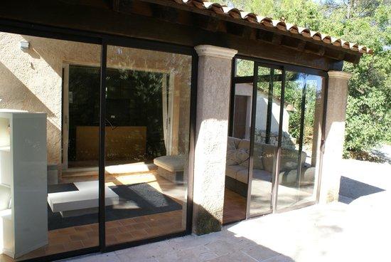 veranda picture of chambre d 39 hotes chez samuel bruno lorgues tripadvisor. Black Bedroom Furniture Sets. Home Design Ideas
