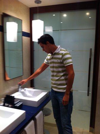 Eurostars Hotel de la Reconquista: baño