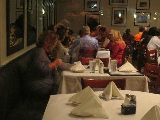 Havana Harry's: Très grande salle mais intimité préservée