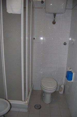 Casa La Salle - Casa per Ferie: Baño de la habitación