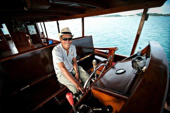 Siam Safari : Junk Boat captain