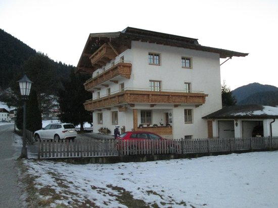 Pension Edelweiss: view from side