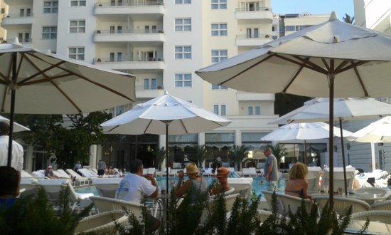Belmond Copacabana Palace : Pool restaurant - Pergolas