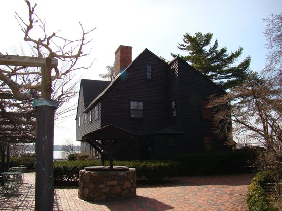 The House of the Seven Gables: House of the Seven Gables