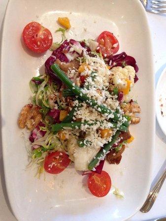 L'Ecole: Seasonal salad