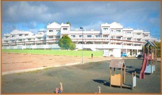 Club Teguisol Apartments: dall'esterno