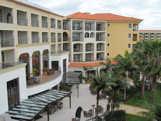 Porto Mare Hotel: Main complex facing gardens
