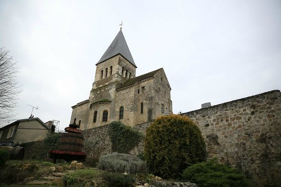 Raw France Champagne Visits : Village church at Sacy, in Champagne