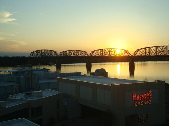Harrah's Metropolis: Sunset on the Ohio River