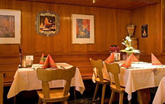 Apparthotel Da'la : Restaurant Erni-Stübli