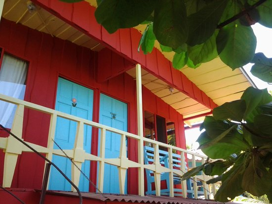 La Ballena Roja Guest House Hotel: View from below of our second floor rooms