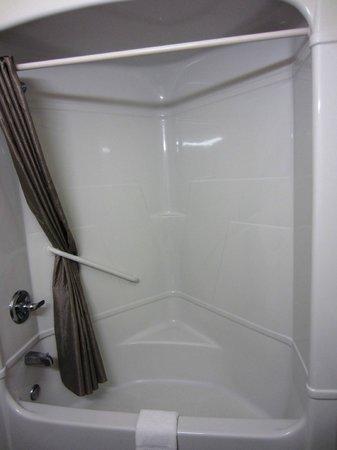Motel 6 Las Cruces - Telshor: Shower/tub