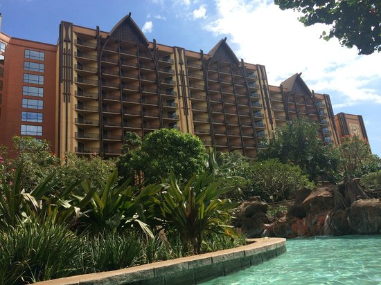 Aulani, a Disney Resort & Spa: Looking up from the lazy river