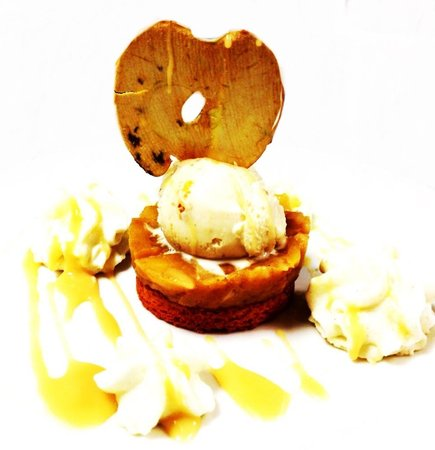 El Theatris : Sable breton , pommes caramélisées, glace tatin