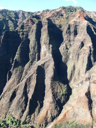 Mauna Loa Helicopters Tours: canyon
