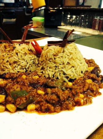 Snack Bar Faloppia : Chili con carne e riso pilaf ( alla cannella)