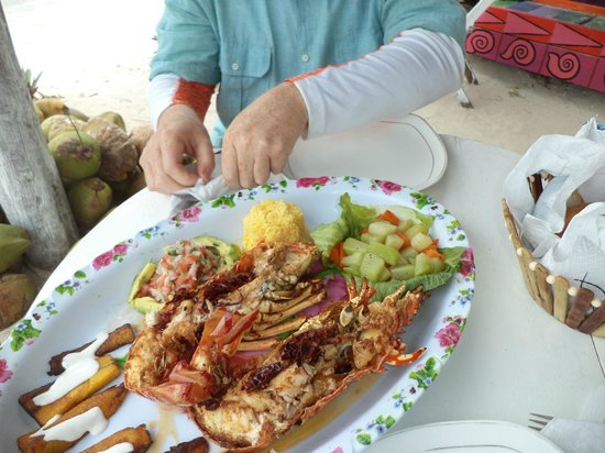 Mahahual Beach: Lobster lunch at Chiquitas Bar & Grill