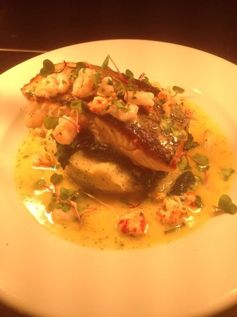 Jolly Jacks: Pan fried salmon with crab mash, spinach and a prawn and crayfish butter sauce