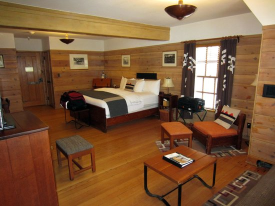 Timberline Lodge: Room 107 - Roosevelt Room