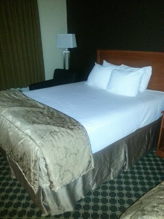 Best Western Strathmore Inn: Soft, comfy beds