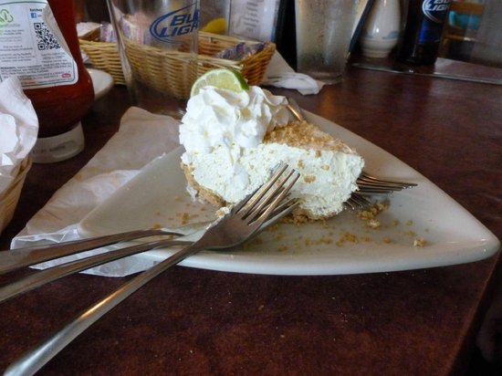 Lee's Inlet Kitchen : Have to have some Homemade pie...Key Lime here !! Simply the Best...