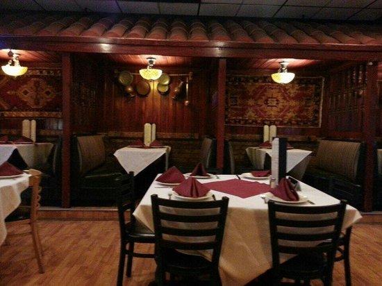Efes Bistro: Dining Room
