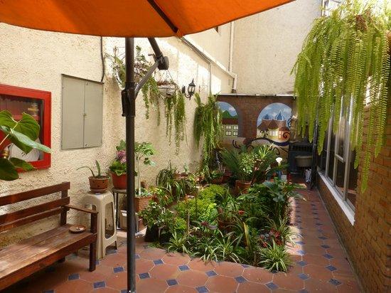 Hotel Los Balcones: garden area