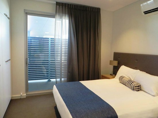 Mawson Lakes Hotel: Bedroom
