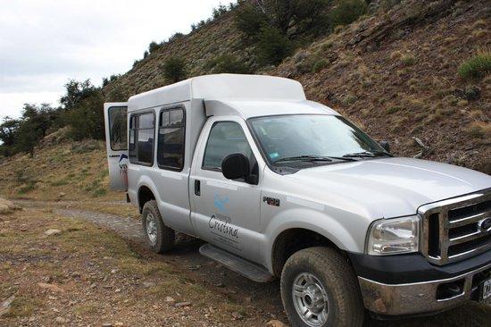 Estancia Cristina Lodge: vehicle used to access Fossil Canyon hike