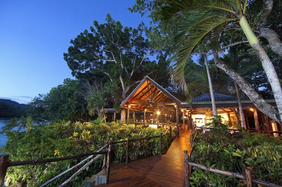 Savasi Island Villas : Reef Dining Room and Bar