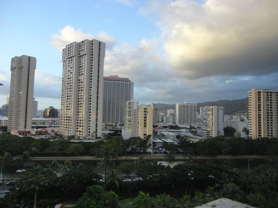 Marina Tower Waikiki : Toward mountains