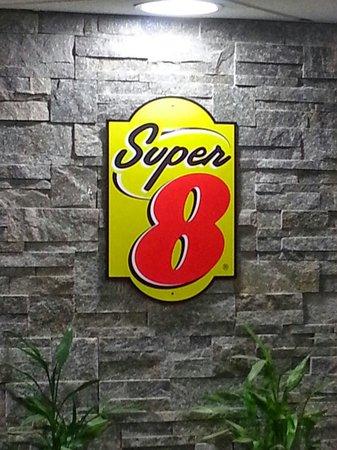 Super 8 Oskaloosa Ia : Super 8 O sky