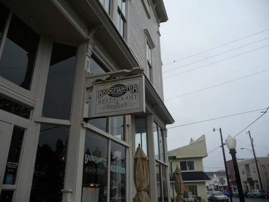 Bridgewater Ocean Fresh Fish House and Zebra Bar: Entrance