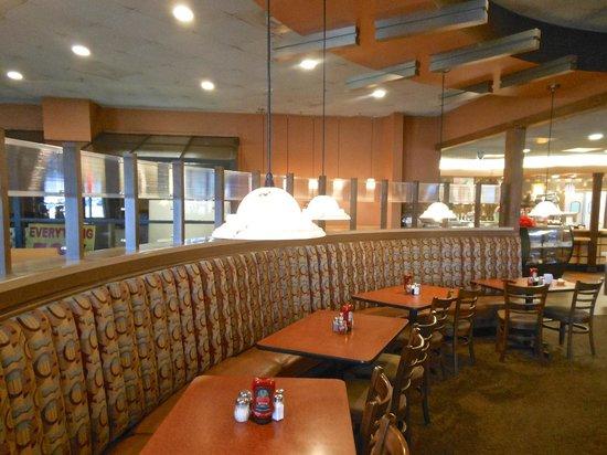 Sweet T's Restaurant: Interior