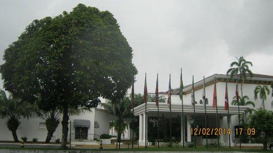 Tropical Manaus Ecoresort : Frente do Hotel