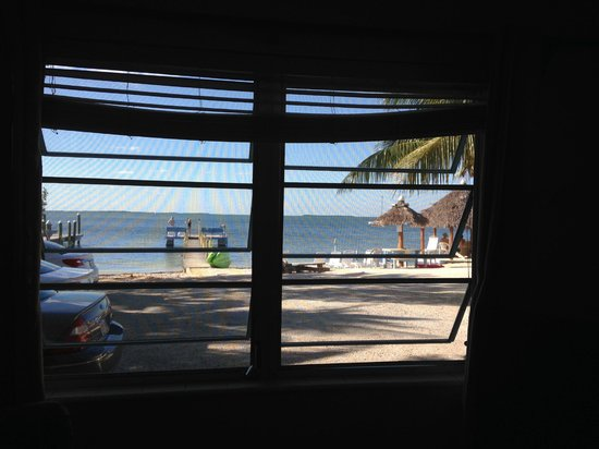Sunset Cove Beach Resort: View from inside.