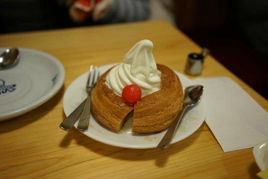 Komeda Coffee, Ikebukuro Nishiguchi: シロノワールミニサイズ