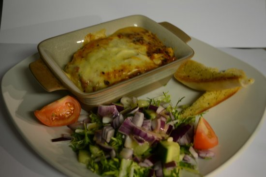 Ben Nevis Bar and Restaurant: Courgette and Mushroom Lasagna